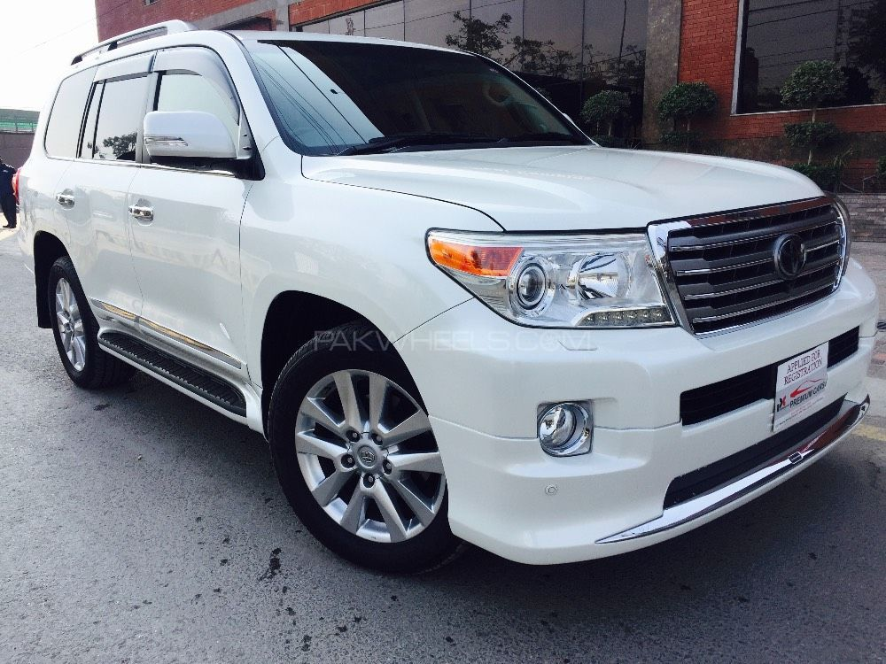 toyota land cruiser ax g selection 2014 for sale in lahore pakwheels. Black Bedroom Furniture Sets. Home Design Ideas