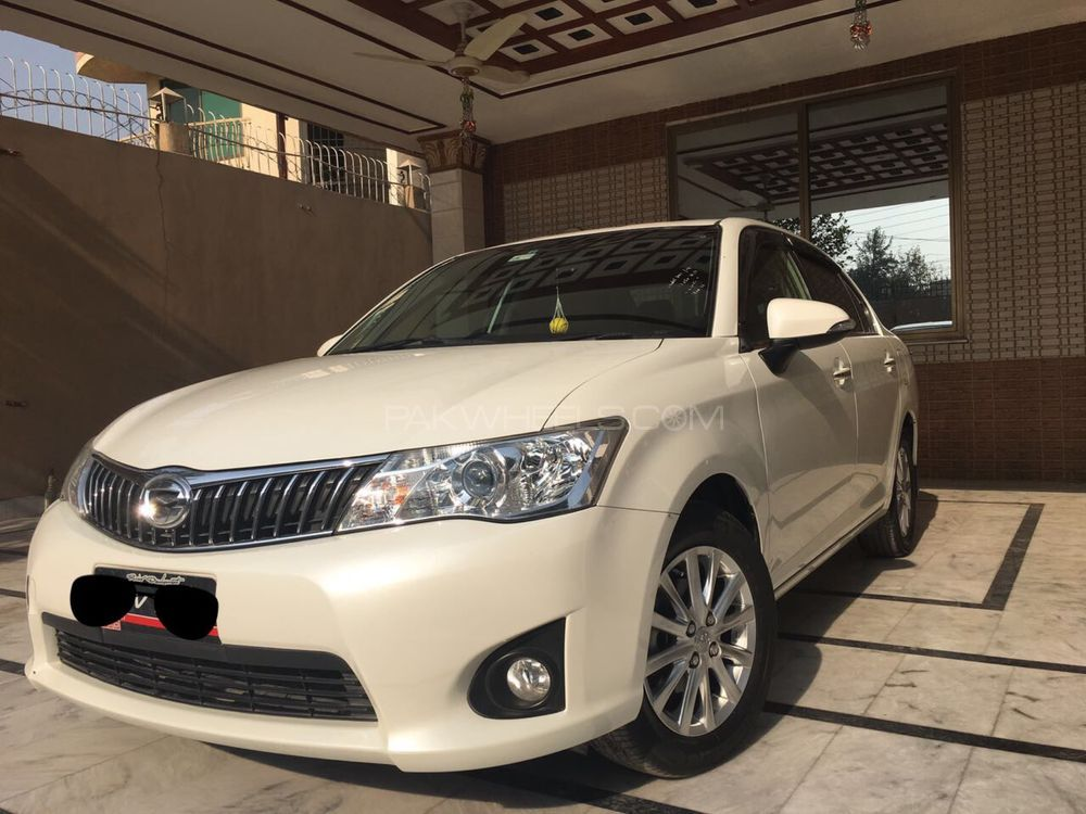 Toyota Corolla Axio Luxel 1.5 2012 Image-1