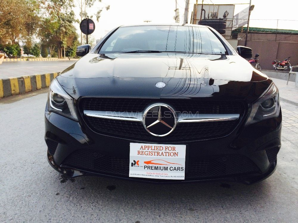 Mercedes benz cla class cla180 2013 for sale in lahore for Mercedes benz cla class for sale