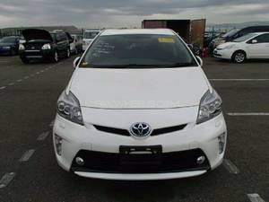 Toyota Prius S Touring Selection 1.8 2013 for Sale in Karachi