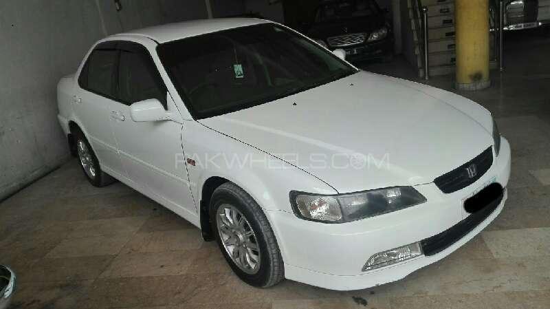 Honda Accord CF3 2000 Image-1