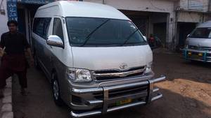 Slide_toyota-hiace-super-custom-2011-14881781