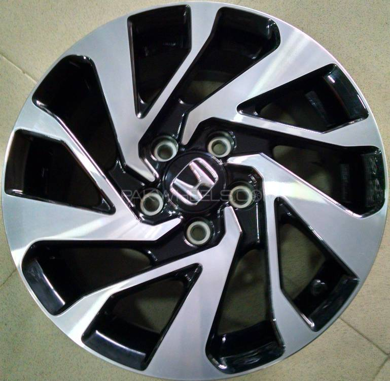 Honda Civic 2017 Alloy Wheel Image 1