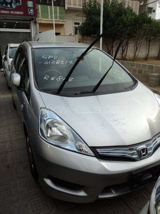 Honda fit hybrid base grade 1 3 2013 for sale in karachi for 2013 honda fit base