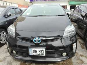 Slide_toyota-prius-s-touring-selection-gs-1-8-2012-15124136