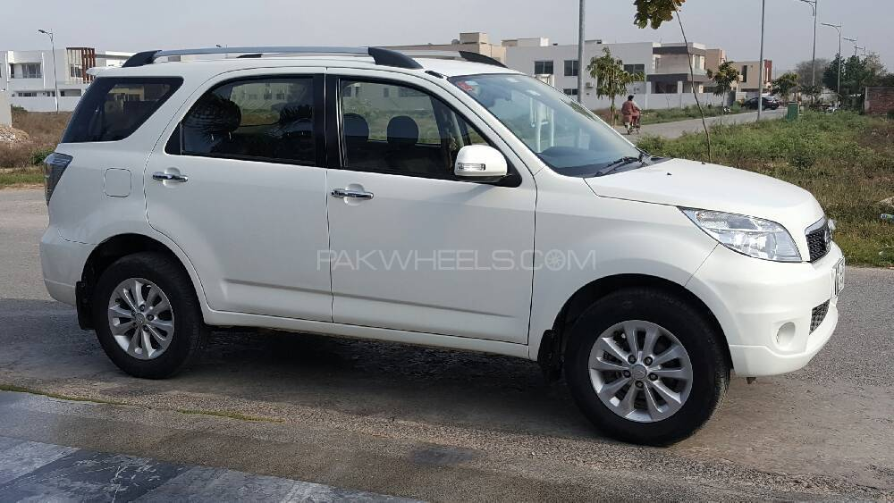 Daihatsu Terios 4x2 Automatic 2011 For Sale In Lahore