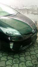 Slide_toyota-prius-1-8g-touring-selection-2013-15185442