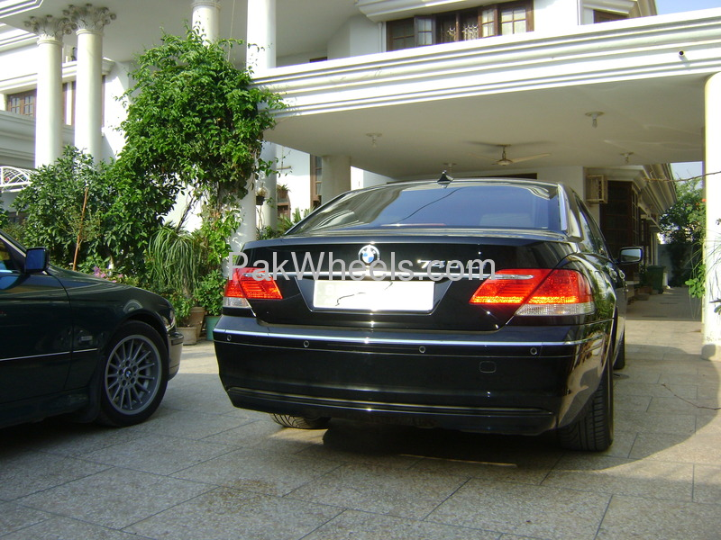 BMW 7 Series 740Li 2007 Image-3