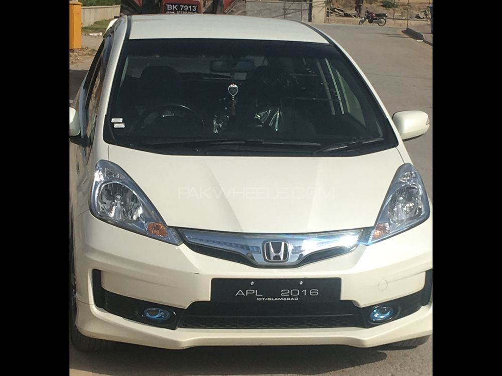 Honda Fit Hybrid 2012 Image-1