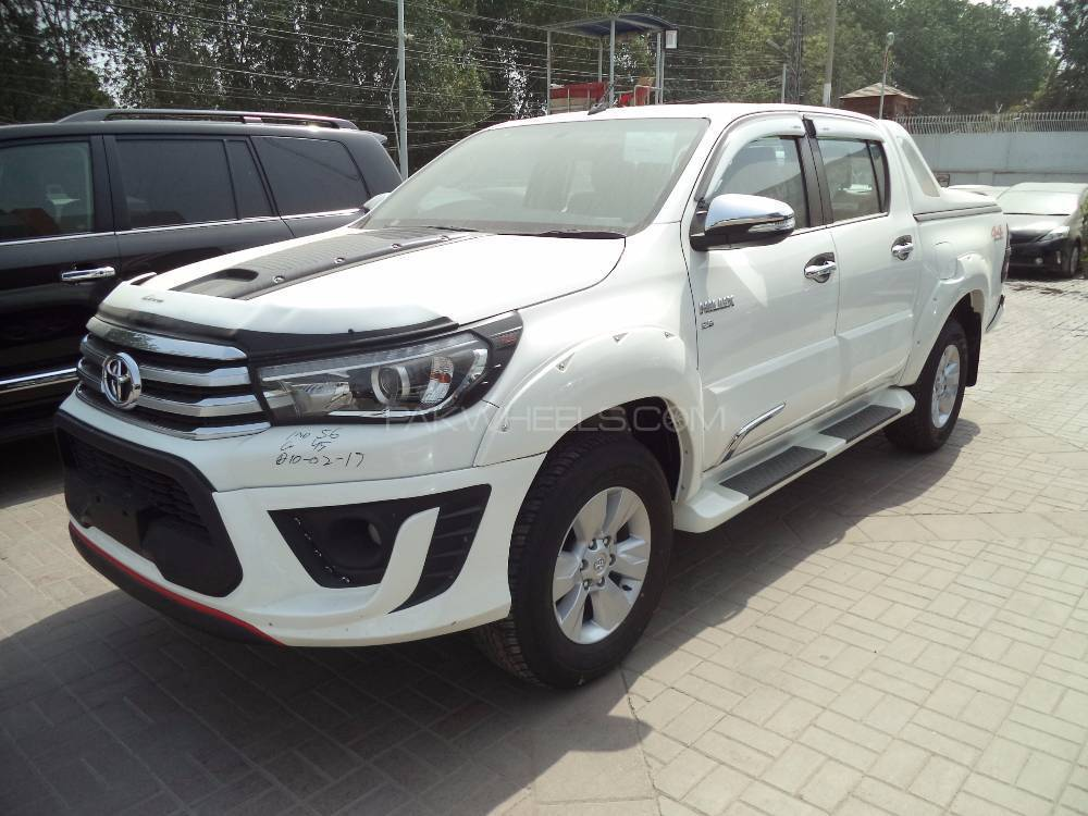 Toyota Hilux Revo V Automatic 3 0 2017 For Sale In Karachi