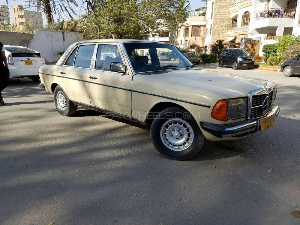 mercedes benz 200 d 1980 for sale in karachi pakwheels. Black Bedroom Furniture Sets. Home Design Ideas
