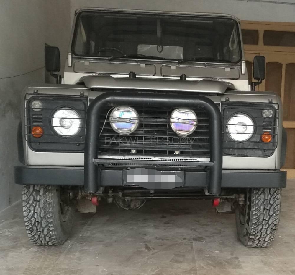 Land Rover Defender 90 SW 1992 Image-1