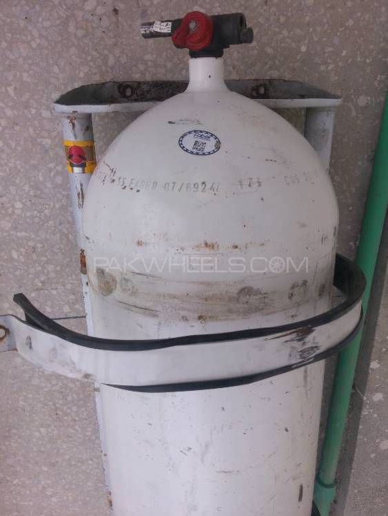 CNG kit and 47.7 kg cylinder for sale in Karachi