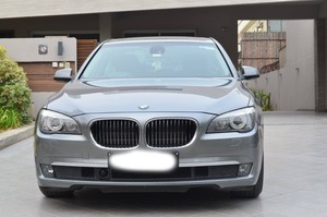 Slide_bmw-7-series-730d-2011-16001253
