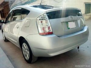 Slide_toyota-prius-g-touring-selection-1-5-2007-16009887