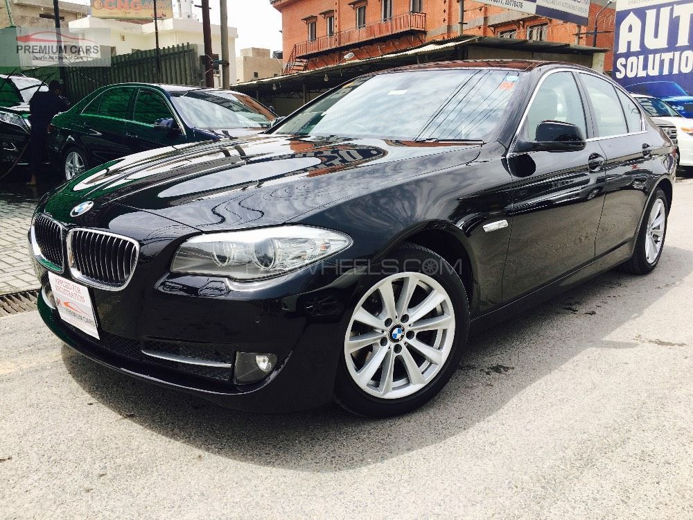 bmw 5 series 520d 2011 for sale in lahore pakwheels. Black Bedroom Furniture Sets. Home Design Ideas