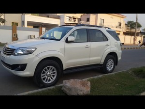 Slide_toyota-fortuner-2-7-automatic-2013-16138682