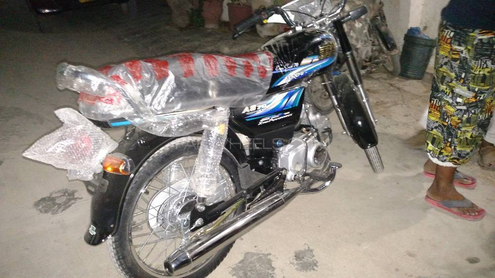 Used Unique UD 70 2017 Bike for sale in Karachi - 185352 ...