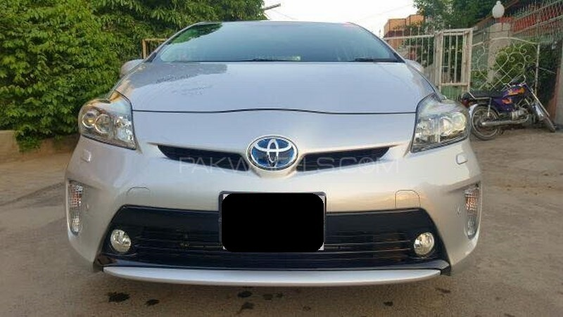 Toyota Prius G Touring Selection 1.8 2014 Image-1