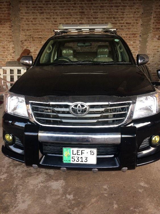 Toyota Hilux 2015 Image-1