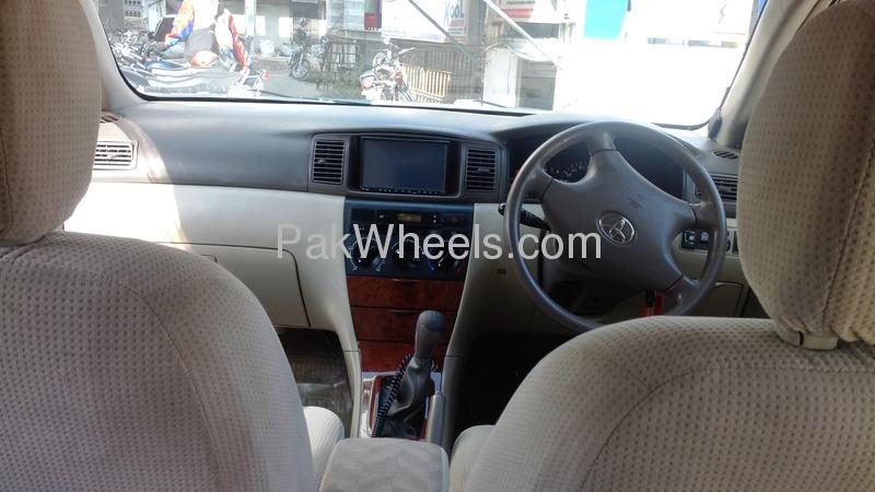 Toyota Corolla SE Saloon 2005 Image-2
