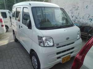 Slide_daihatsu-hijet-van-basegrade-8-2011-16583100