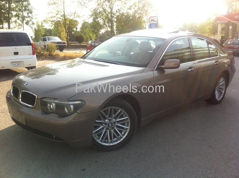BMW 7 Series 2003 Image-4