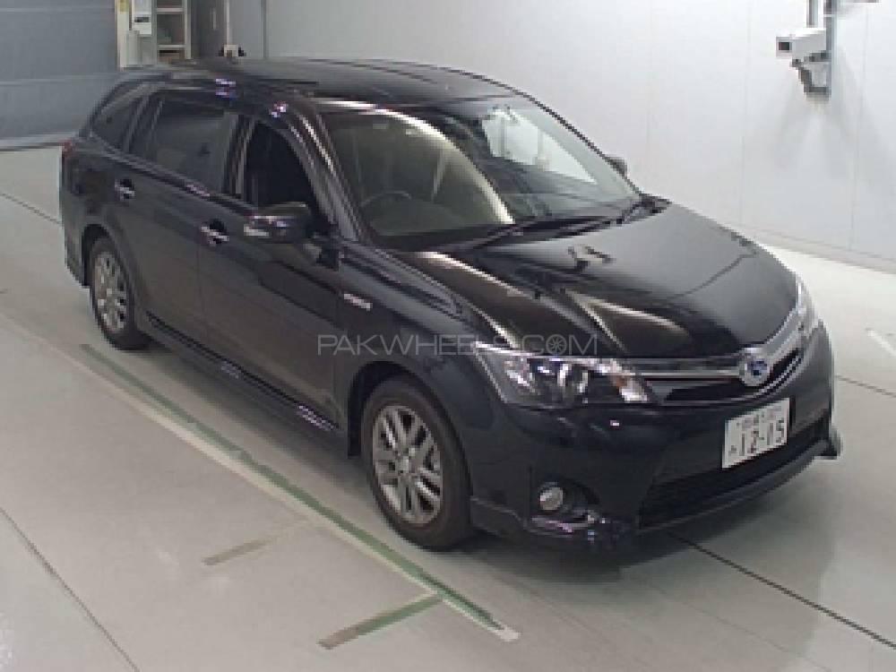 Toyota Corolla Fielder 2014 Image-1