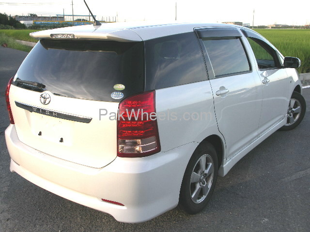 Toyota Wish X-Aero Sport Package 2007 Image-4