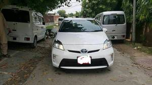 Slide_toyota-prius-s-touring-selection-my-coorde-1-8-2013-16996152