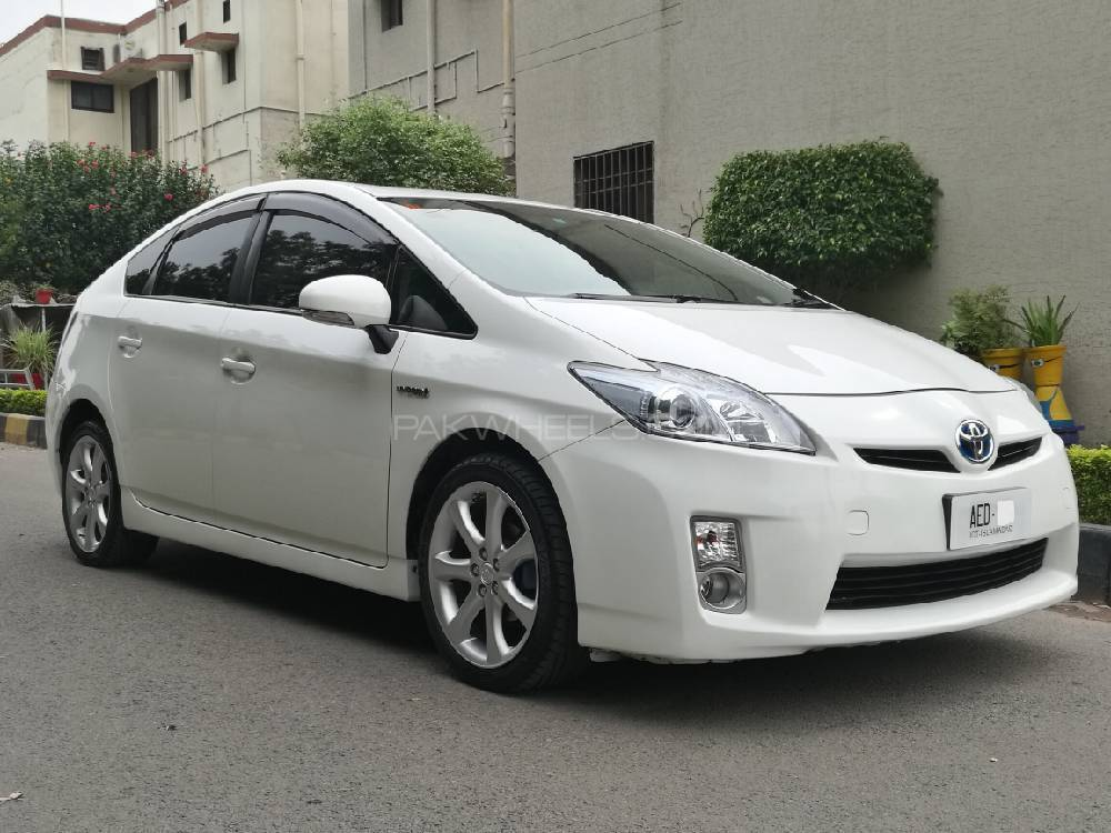 toyota prius 2011 for sale in islamabad pakwheels. Black Bedroom Furniture Sets. Home Design Ideas
