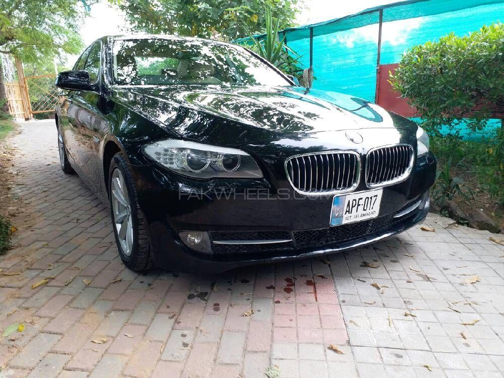 BMW 5 Series 2011 Image-1