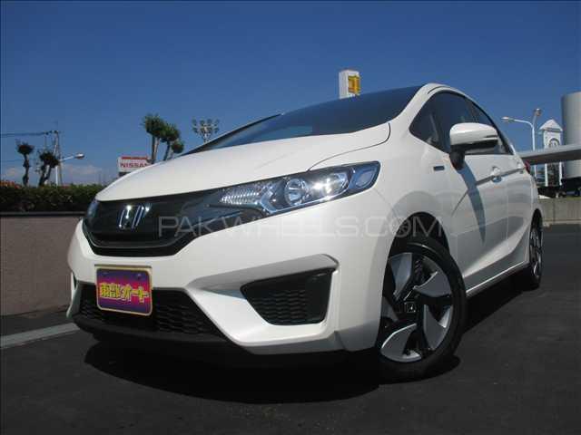 Honda Fit Hybrid F Package 2014 Image-1