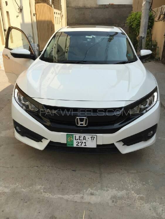 Honda Civic Turbo 1.5 VTEC CVT 2017 Image-1