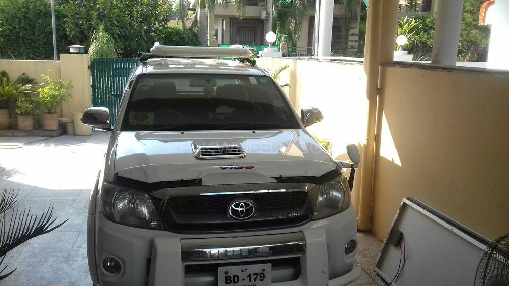 Toyota Hilux 2010 Image-1
