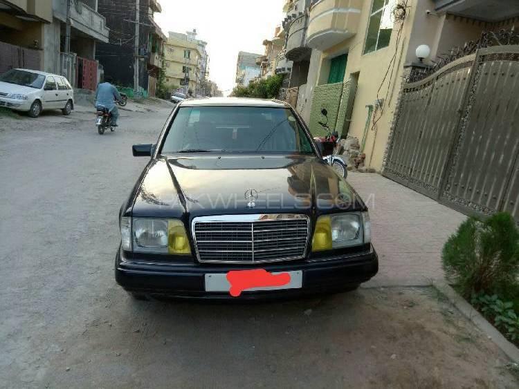 Mercedes Benz C Class C180 1986 Image-1