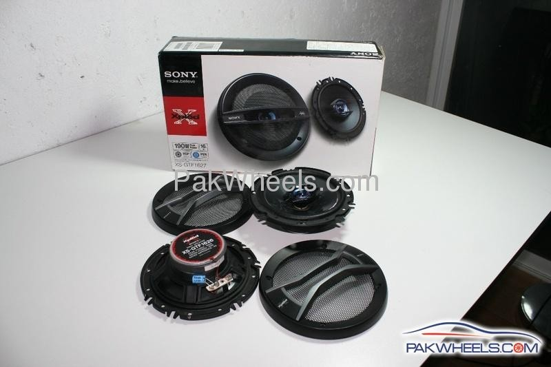 "FS: Xplod 6.5"" and PerformanceTek 6x8"" speakers Image-1"
