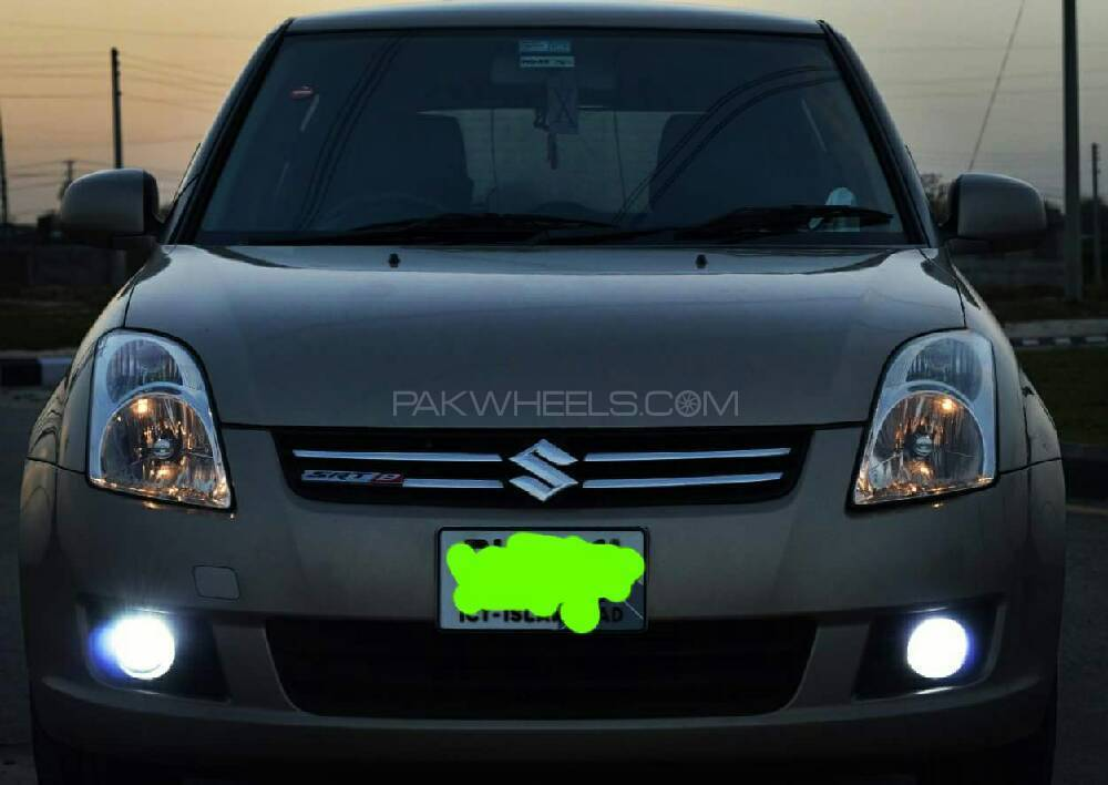 Suzuki Swift DLX 1.3 2015 Image-1