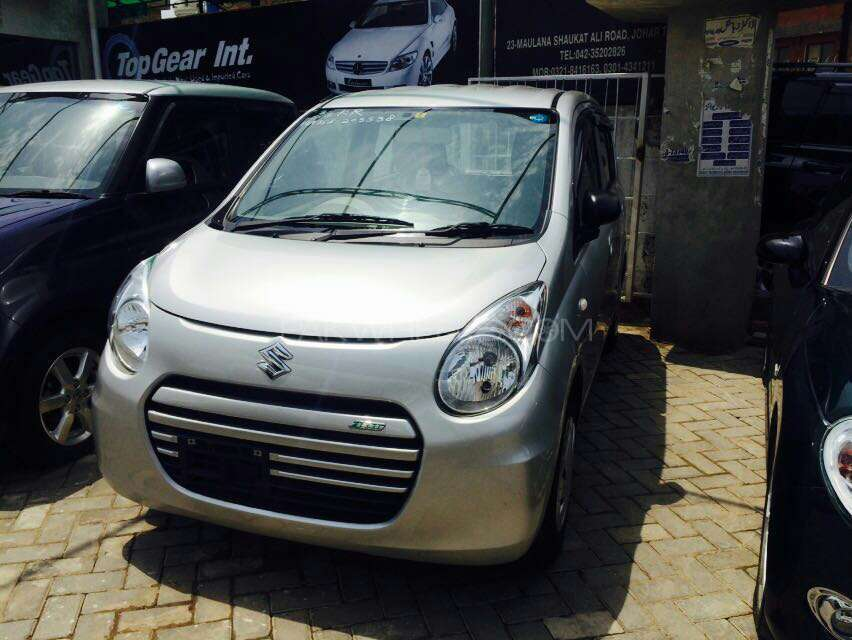 import 2017 Excellent condition  Neat and Clear interior and exterior  DVD player  Navigation system  Tyres condition is good