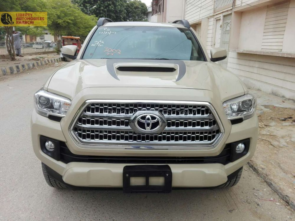 toyota tacoma 2016 for sale in karachi pakwheels. Black Bedroom Furniture Sets. Home Design Ideas
