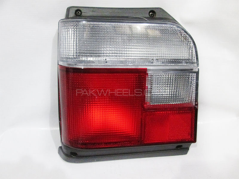 Suzuki Mehran Tail lights Set 2007-2017 in Lahore