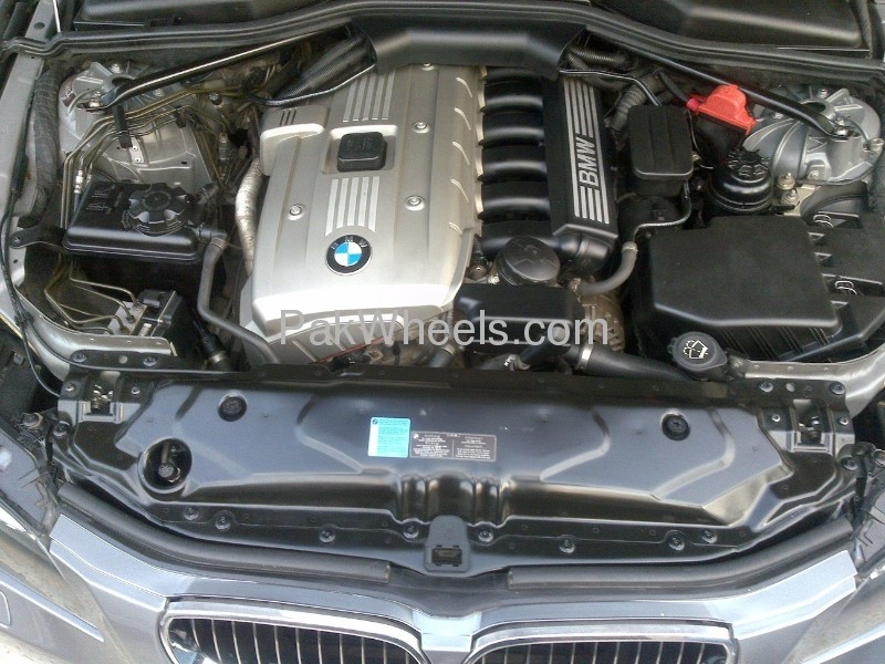 BMW 5 Series 525i 2008 Image-6