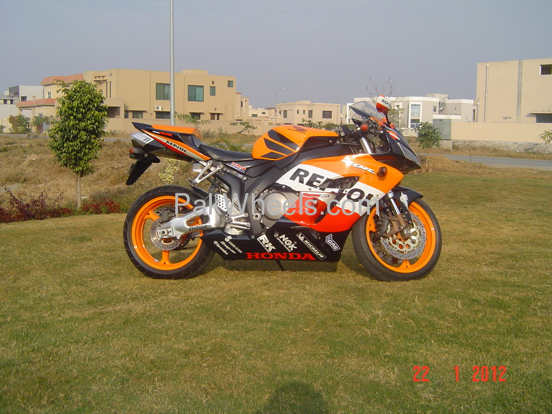Used Honda CBR 1000RR 2005 Bike for sale in Lahore - Used Bike 99792 - 1738200