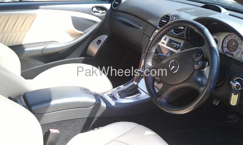Mercedes Benz CLK Class CLK 200 2009 Image-2