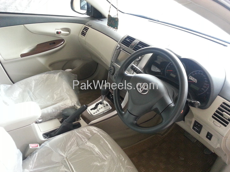 Toyota Corolla GLi Automatic Limited Edition 1.6 VVTi 2012 Image-3