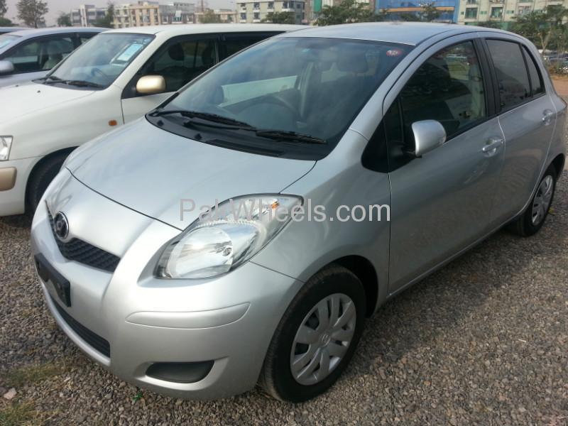 Toyota Vitz 2009 Image-4