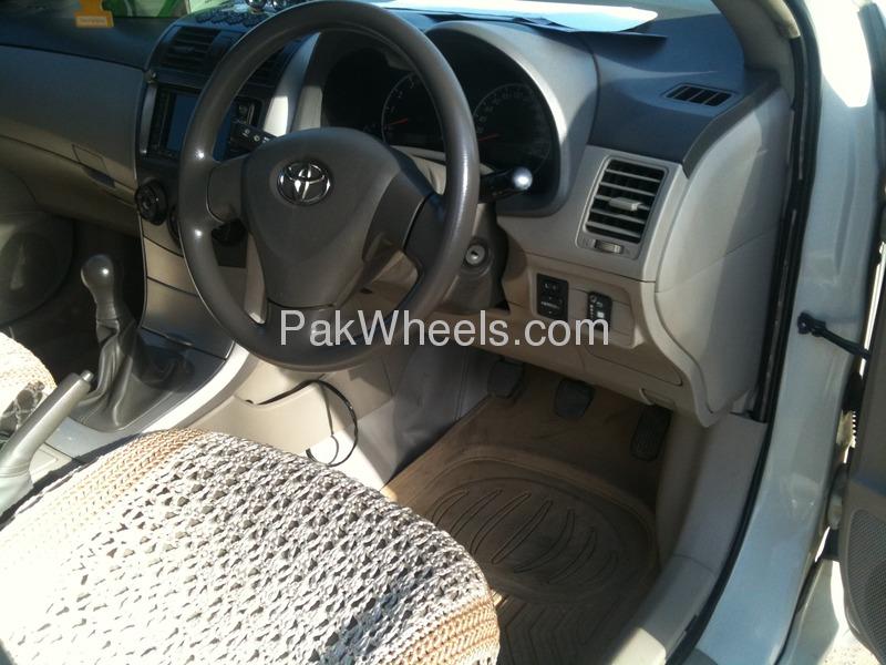 Toyota Corolla X 1.3 2009 Image-2