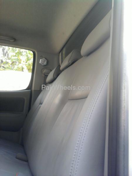 Toyota Hilux 4x4 D/C (Up Spec) 2009 Image-9