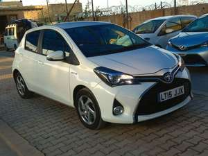 Slide_toyota-yaris-2014-17402732