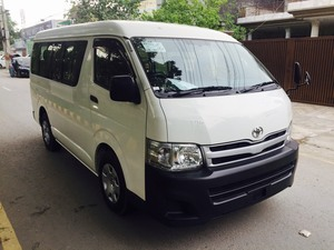 Slide_toyota-hiace-commuter-std-roof-15-seater-2012-17488378